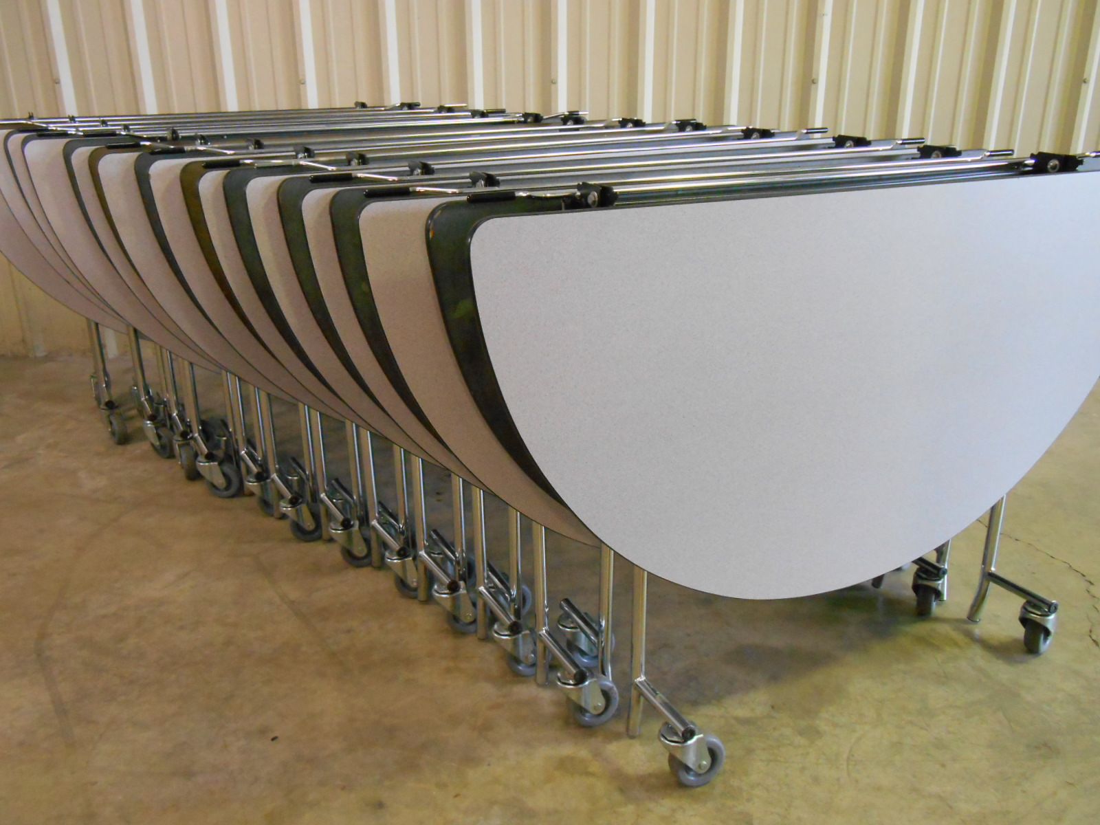 Used 6 Midwest Shur Lok 60 Quot Mobile Cafeteria Tables