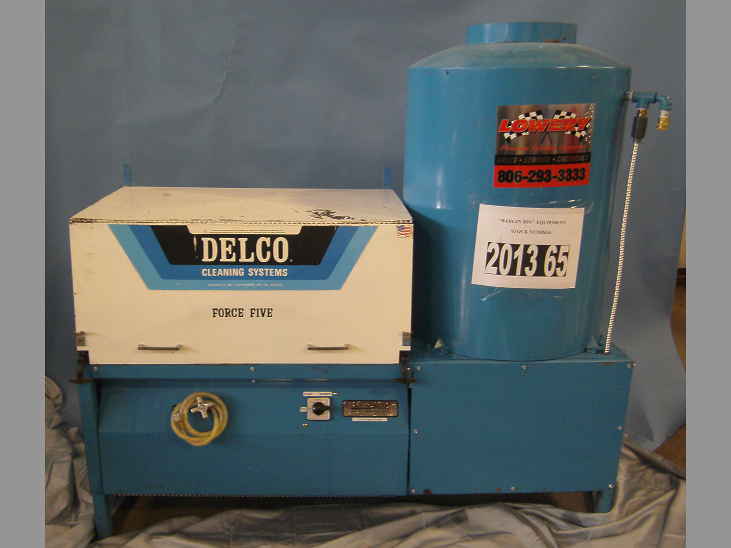 Used Delco Force Five Hot Water Natural Gas 5gpm   1500psi