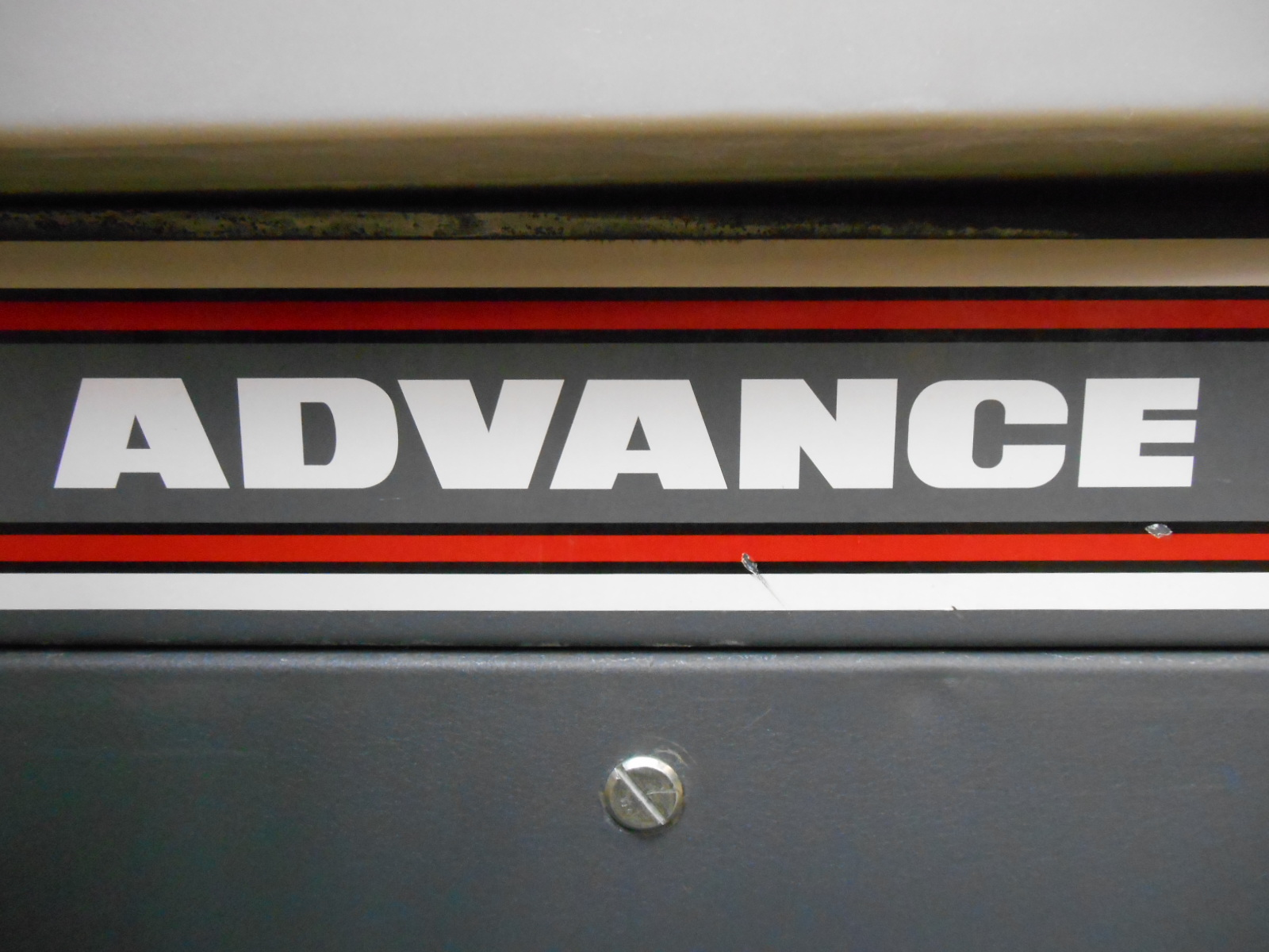 Used Advance 28lx Self Propelled Floor Scrubber