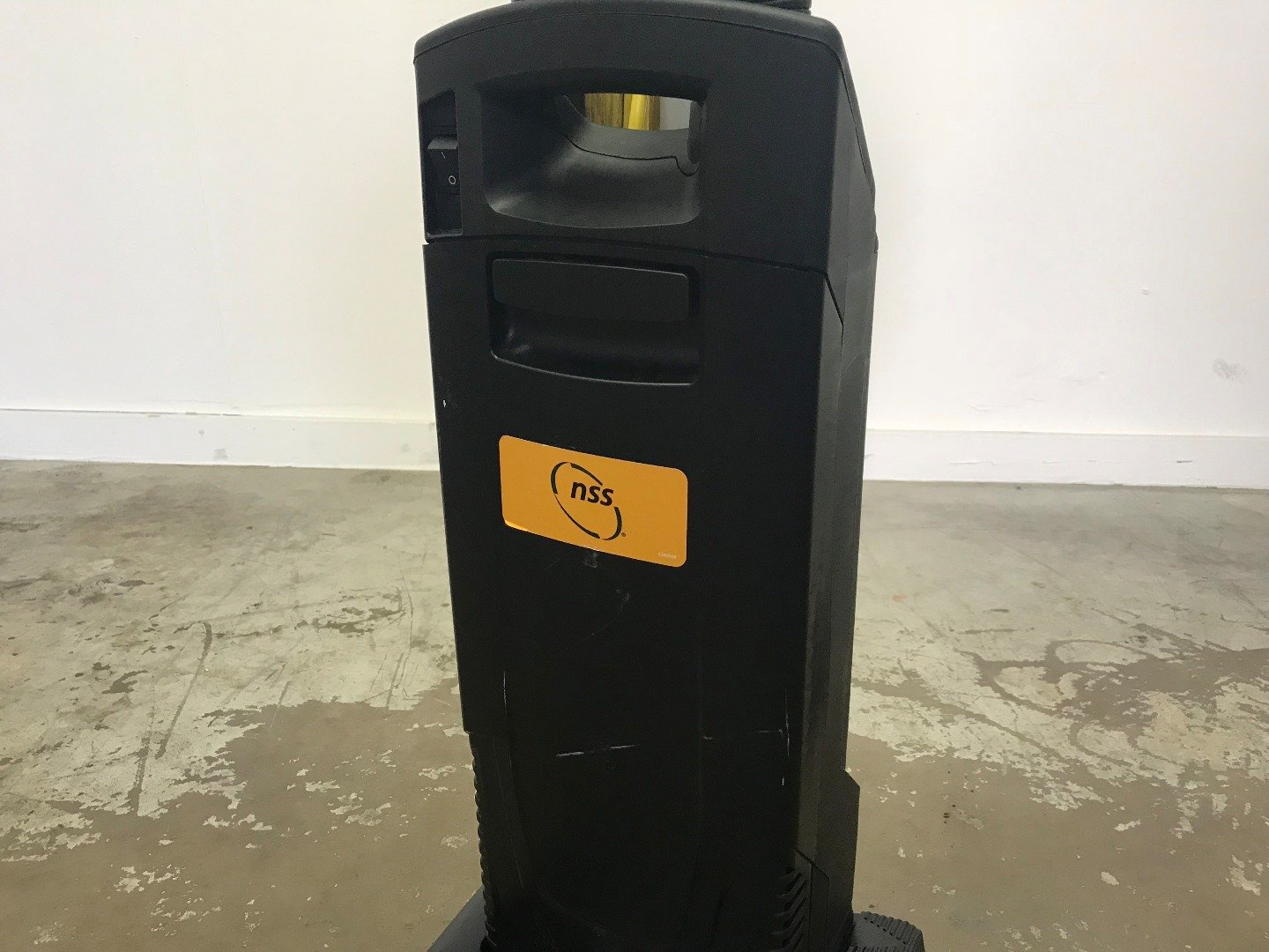 Used Nss Pacer 12 Ue Upright Commercial Vacuum 12 Inch