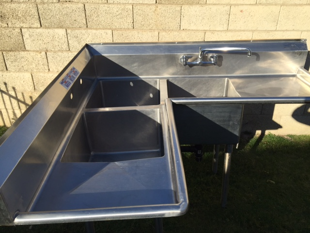 3 Compartment Corner Sink W/1 Faucet U0026 Drain Plumbing Used, Excellent  Condition