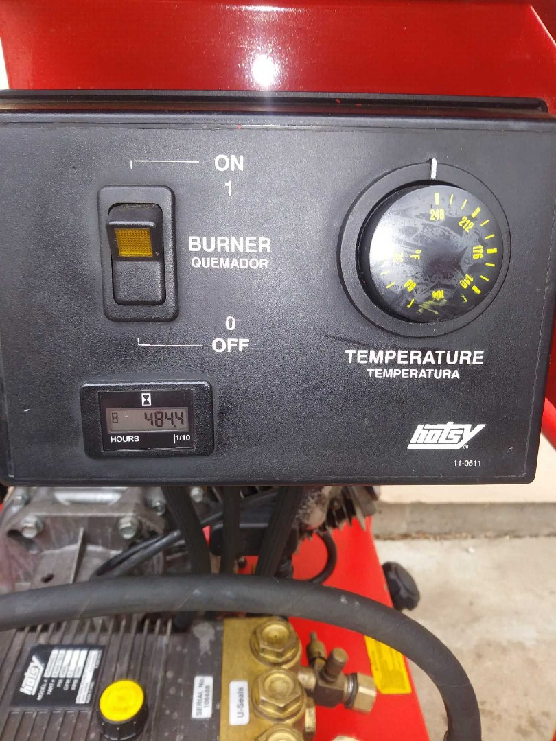 Used Hotsy 1075SSE Hot Water Gas / Diesel 4GPM @ 3500PSI Pressure Washer