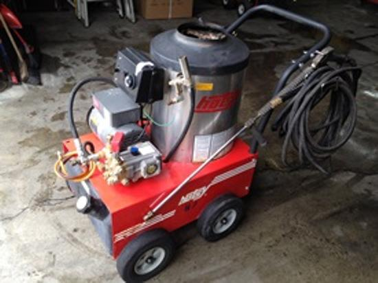 Used Hotsy 555ss Hot Water 110 Volt Diesel 2 2gpm 1300psi Pressure
