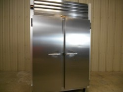 Traulsen 2-Door Reach In Refrigerator Used, Tested Good