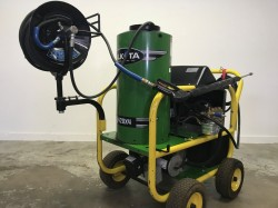 Alkota 420x4 Hot Electric / Diesel 2000PSI Pressure Washer Used, Tested Good