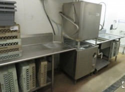 Hobart AM-15 High Temp Dishwasher & 2 Dish Tables Used, Tested Good