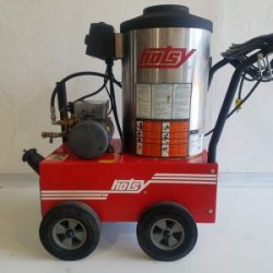 Hotsy 680SS 1000PSI Hot Pressure Washer Used, Tested Good