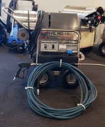 Hydro Tek 22004E2 4GPM @ 2200PSI Hot Pressure Washer Used, Tested Good
