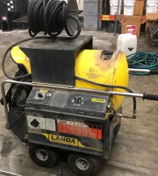 Landa Electric / Diesel 2000PSI Hot Pressure Washer & Reel Used, Tested Good