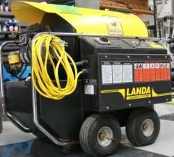 Landa Hot Electric / Diesel 1000PSI Pressure Washer Used, Tested Good