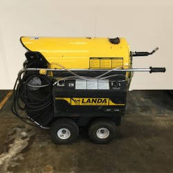 Landa HOT3 2.5GPM @ 300PSI Steam Cleaner Used, Tested Good