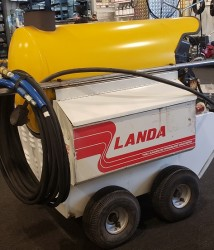 Landa PHWII 4GPM @ 2000PSI Hot Pressure Washer Used, Tested Good