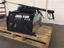 Landa SEA 3 Electric 1100PSI Cold Pressure Washer Never Used, Tested Good