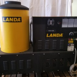 Landa VHG4-300 Natural Gas 3000PSI Hot Pressure Washer Used, Tested Good
