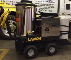 Landa VHP Propane Hot 1500PSI Pressure Washer Used, Tested Good