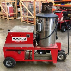 Magnum 443 4GPM @ 2000PSI Hot Pressure Washer Used, Tested Good