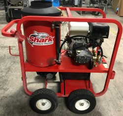 Shark SGP-353027 3000PSI Hot Pressure Washer/ ONLY 582 HOURS Used, Tested Good