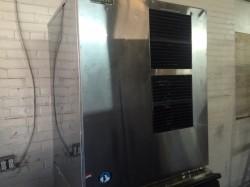 Hoshizaki 800lb Ice Maker W/ Bin Used, Tested Good